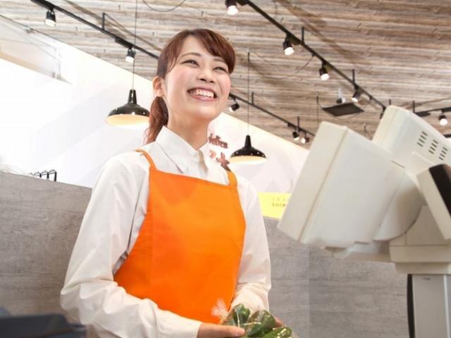 新越谷ヴァリエ 食品フロアの画像・写真