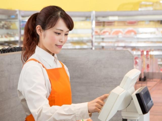 三重 津エリア 食品スーパー フリーレジスタッフの画像・写真